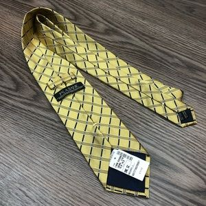 Jos A Bank NWT Gold w/ Navy & Blue Check Tie